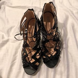 Black lace up shoes worn once 8 and super comfy